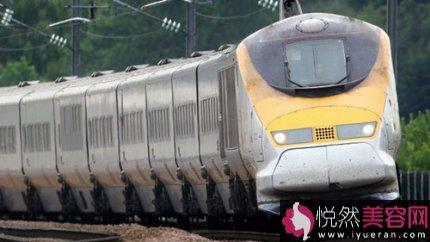 中新网4月9日电 据英国BBC英伦网报道,英国开始在港口和边境口岸逐步实行新检查计划,将搜集离开英国的旅客的数据并交给内政部。 交通人员记录所有乘坐海上、空中和铁路商业交通的旅客的细节。出境检查对跨英吉利海峡渡轮和海底隧道列车的乘……
