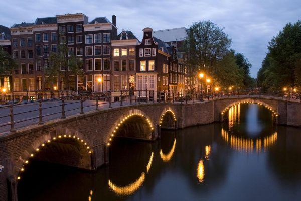 2014-2015年阿姆斯特丹大学排名