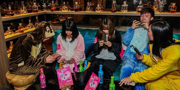 《天天炫舞》变装主题派对 男神女神逗趣不断