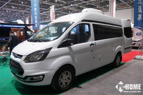 福特新全顺V362自动挡商旅房车长5.3米2.0T售31.6万起
