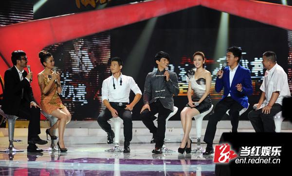 台湾导演林建携《向着炮火前进》主创吴奇隆、甘婷婷、王新、谢孟伟助阵全国首映式。