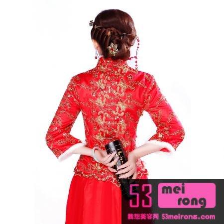 施华洛世奇花纹水钻,纯棉质地,轻盈舒适的秋冬款蕾丝结婚新娘旗袍礼