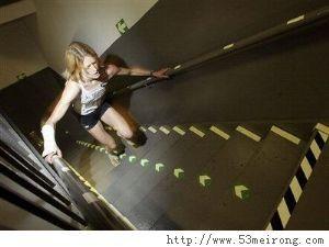 运动减肥3种方法登楼梯