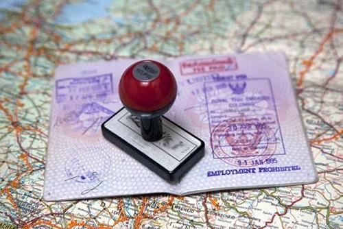 中国到英国签证的办理真的已经非常简便,只要你能够按照流程去准备好每一份文件资料这签证一点都不难办,那么具体要准备什么材料呢? 2017英国签证攻略之准备材料    重要的事情先说,所有的签证材料都要……